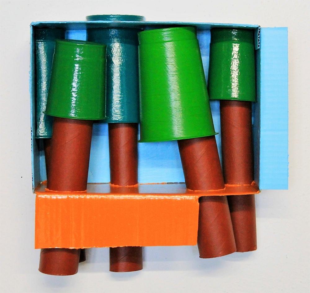 Wald 1, Karton, Pappe, Plastik, Lack, 30 x 28 x 13 cm, 2017